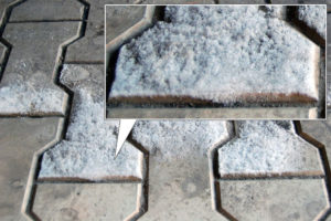 Narushenie-vodonepronicaemosti-trotuarnoj-plitki-e1429553781109
